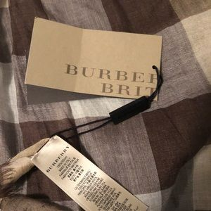 Burberry Britt scarf